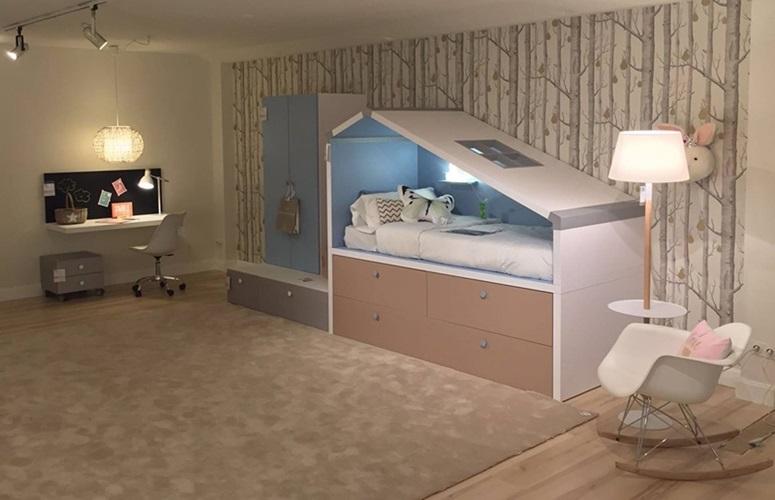 Lagrama camerette per ragazzi su da spazi giovani di - Como distribuir una habitacion con dos camas ...